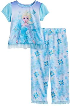 She'll be ultra cute for bed in this girls' Disney Frozen Elsa top and pants pajama set. Kids Dress Wear, Dresses Kids Girl, Little Girl Outfits, Toddler Girl Outfits, Toddler Fashion, Frozen Outfits, Disney Outfits, Disney Clothes, Pijama Frozen