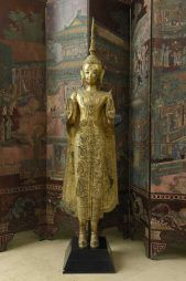 Grande statue de Bouddha en bronze laqué or, Thaïlande, Ratanakosin, fin du XIXe siècle Vendu 5800€ en Juin 2016