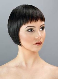The connecting Sassoon hoc vien Trường Bob Haircut With Bangs, Short Bob Haircuts, Short Hairstyles For Women, Pretty Hairstyles, Short Punk Hair, Really Short Hair, Short Hair Cuts, Medium Hair Styles, Curly Hair Styles