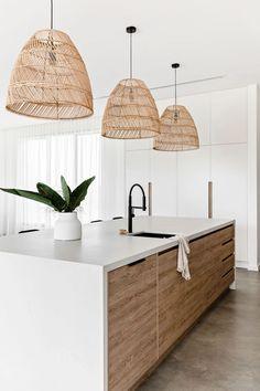 Kitchen Room Design, Interior Design Kitchen, Modern Kitchen Designs, Modern Kitchens With Islands, Modern Kitchen Decor, Modern White Kitchens, Modern Kitchen Lighting, Kitchen Island Lighting, Kitchen White