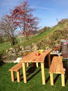 WoodinLog fertigt aus einheimischen Rundhölzern Gartenmöbel in Handarbeit, individuell, auf Kundenwunsch. WoodinLog liefert  alles aus einer Hand, von der Produktgestaltung, der Rohstoffgewinnung bis zur handbearbeiteten Herstellung. WoodinLog verwendet anstelle von Tropenhölzern einheimisches Robinienholz #swissmade#garden#gartentisch#gartenstuhl#sitzbank#gartenbank#pergola#handcrafted#rustikalemoebel#holzmoebel www.wohn-punkt.ch