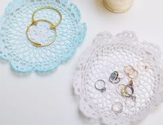 Do you have a pile of old doilies taking up space in your cupboard? Give them new life with these awesome ideas!