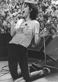 Patti Smith ... Follow - > http://songssmiths.wordpress.com Like -> http://www.facebook.com/songssmithssongssmiths