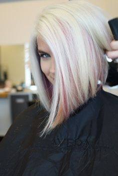 37 Beautiful cups and colors for medium long hair - Trend 2019 - Becher Colour . Pastel Hair, Pink Hair, Gray Purple Hair, Medium Long Hair, Hair Color And Cut, Blonde Color, Icy Blonde, Great Hair, Bob Hairstyles