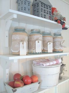 love the lace around the jars <3