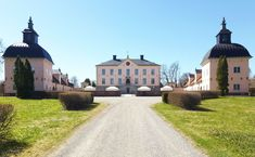 Hässelby slott 2013 - Hässelby slott – Wikipedia Scandinavian Home Interiors, Kingdom Of Sweden, Winter Palace, Horse Stables, Country Estate, Place Of Worship, Europe, Stockholm, Manor Houses