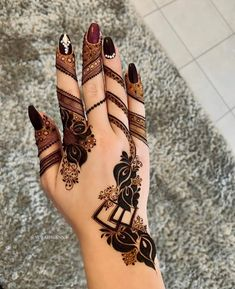 One of the most popular places to have henna is on the hands. So, today we are bringing you 21 amazing henna hand designs that are a work of art! Henna Hand Designs, Dulhan Mehndi Designs, Mehandi Designs, Mehndi Designs Finger, Modern Henna Designs, Floral Henna Designs, Arabic Henna Designs, Latest Bridal Mehndi Designs, Mehndi Designs Book