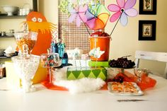 Great food, drink and decoration ideas - Lorax party!