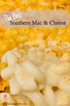 The best southern macaroni and cheese loaded with three cheeses and seasoning that will remind you of the southern mac & cheese grandma used to make! Mac N Cheese Recipe Southern, Southern Macaroni And Cheese, Best Macaroni And Cheese, Macaroni Cheese Recipes, Creamy Mac And Cheese, Southern Recipes, Baked Macaroni, Southern Food, Velveeta Mac And Cheese