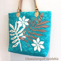 生徒さんのお稽古バッグが完成です。パターンをお渡しするとサクサクとお作りになります #ハワイアンキルト #hawaiianquilt