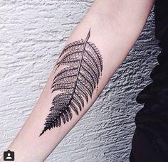 Fern tattoo by Sink Ink… Love Tattoos, Beautiful Tattoos, New Tattoos, Tatoos, Tatouage Sublime, Blatt Tattoos, Hanya Tattoo, Natur Tattoos, Elegant Tattoos