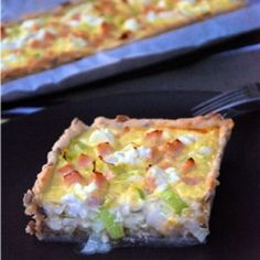 chicken, goat cheese and leek tart No Salt Recipes, Sweet Recipes, Lorraine, Quiches, Clean Recipes, Cooking Recipes, Cooking Ideas, Veggie Muffins, Salty Foods