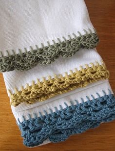 Crochet Edge Tea Towels - I like this because it reminds me of my mom. She did this very often for her tea towels and ones she gave away as gifts. Crochet Edged Tea Towels~awesome idea for gifts or just to personalize your own kitchen! Crochet Edge Tea To Mode Crochet, Crochet Home, Crochet Crafts, Yarn Crafts, Crochet Baby, Towel Crafts, Blanket Crochet, Picot Crochet, Crochet Motifs