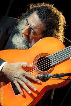 Manuel Molina en concierto en Caja Sol apoyando a la Fundación Proyecto Don Bosco