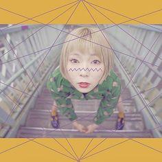 YouTube【カタオモイ】って検索🔍 AimerさんのカタオモイのカバーソングMVを公開🎉  是非検索してね!! 現在は2個目に出てきてますー!  カタオモイはリクエストめちゃ多い曲だった。 この楽曲は色味をイメージしやすくて、自分の中ではなんとなく全体的にムラサキとかピンクっぽい色味。  フェードが強めで、カラフルな色味もどこか冷たいような そんなイメージ…☁️🌙 実は今オリジナル曲を制作中! その他プロジェクトも進行中! どんっどんチャレンジして自分らしい世界観を創りたい。  いつもありがと。  #カタオモイ#Aimer #エメ#あさぎーにょ#fashion #japan #데일리록#옷스타그램#멋스타그램#코디#오오티디#일본#时尚#协调#Tokyo Kawaii, Youtube, Hair, Youtubers, Strengthen Hair, Youtube Movies