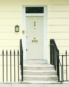 Afbeeldingsresultaat voor farrow & ball exterior yellow