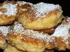 Drożdżowe racuchy z serem i jabłkami - Przepisy kulinarne - Dania główne
