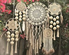 Atrapasueños en crochet - Ideas geniales ⋆ Manualidades Y DIY Dreamcatcher Crochet, Mandala Crochet, Los Dreamcatchers, Doily Dream Catchers, Diy And Crafts, Arts And Crafts, Crochet Diy, Crocheted Lace, Crochet Doilies