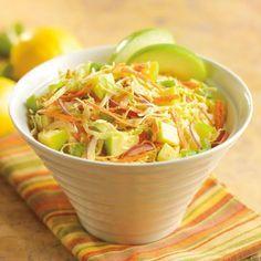 Салат из капусты содержит полезные микроэлементы
