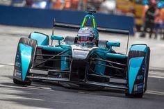 Nelson Piquet Jr. com estratégia alterada pelo safty-car em Puerto Madero