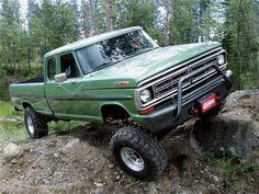 1972 Ford F-350 #PowerStroke This is my favorite newer body style.
