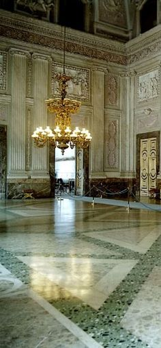 THE ROYAL PALACE OF BELGIUM