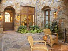 Tuscan design – Mediterranean Home Decor Tuscan Courtyard, Italian Courtyard, Tuscan Garden, Tuscan House, Italian Villa, Courtyard Ideas, Rustic Italian, Courtyard House, Italian Style