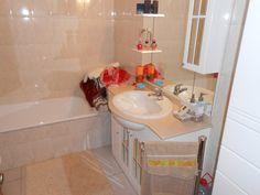 Uma foto de uma das casas de banho