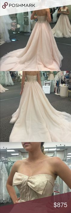 "VERA WANG WEDDING DRESS BLUSH - $875 Vera Wang VW351213 Wedding Dress BRAND NEW, tags still on, never worn, blush ballgown and matching veil by designer Vera Wang. This dress has a very detailed gold strapless top, natural waist and full tulle ballgown skirt and train. Can be worn with or without bow on front of dress. Stunning blush color! Size: Label: 6 Street: 4 Measurements: Bust: 34 Waist: 24 Hips: 38 Height With Shoes: 5' 9"" Color Family: Shades of Ivory, Shades of Pink, Shades of Gold…"