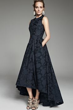 H&M's Conscious Collections Make Green Fashion Gorgeous - The Kit Navy Dress, Dress Up, Pretty Dresses, Beautiful Dresses, Style Vert, Costume, Groom Dress, Green Fashion, Dress Making