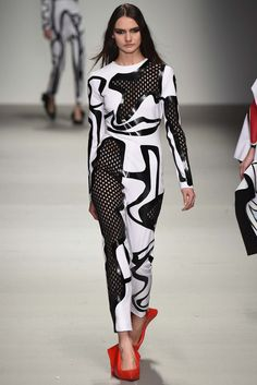 Central Saint Martins Fall 2015 Ready-to-Wear Fashion Show - Designer: Matty Bovan