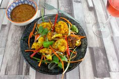 This might just be the best Roasted Cauliflower Satay Recipe. I am serving this with my Peanut Sauce and Ar hard Thai relish. Cauliflower Curry, Roasted Cauliflower, Satay Recipe, Relish Recipes, Meatless Recipes, Peanut Sauce, Brunch Recipes, Food Print, Sky
