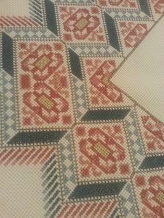 Cross Stitch Art, Cross Stitch Embroidery, Embroidery Patterns, Cross Stitch Patterns, Tapestry Crochet, Stitch 2, Needlepoint, Needlework, Bohemian Rug