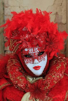 Venetian masquerade mask with red & gold inspiration costume Venetian Masquerade Masks, Venetian Carnival Masks, Carnival Of Venice, Masquerade Ball, Masquerade Attire, Venice Carnivale, Mardi Gras, Venitian Mask, Costume Venitien