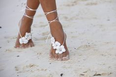 30 Barefoot Beach Wedding Sandals For Brides & Bridesmaids! The Barefoot Beach Wedding Sandal trend has taken the world by storm and is a fun way to accessorize and make your feet stand out. Beach wedding sandals are Beach Wedding Sandals, Beach Shoes, Beach Sandals, Wedding Beach, Beach Wedding Footwear, Trendy Wedding, Beach Feet, Foot Jewelry Wedding, Beach Foot Jewelry