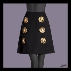 Do you need fashion tips and inspiration? Read Discover, the new Dolce & Gabbana Luxury Magazine Online. Fashion Photo, Fashion Tips, 2015 Trends, Fall 2015, Photo Galleries, High Waisted Skirt, Mini Skirts, Embroidery, Luxury
