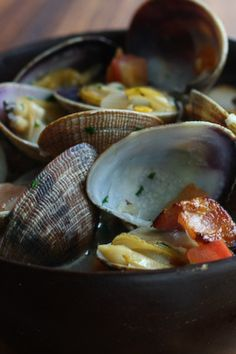 Beer Steamed Clams with Bacon