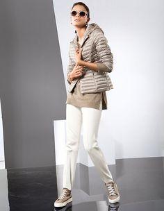 Die Mode lässt die Steghose wieder aufleben. Als Stiefelhose oder auch zu Pumps ein trendstarker Look!