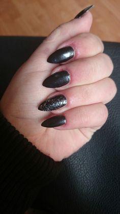 Simple black #me #black #nails