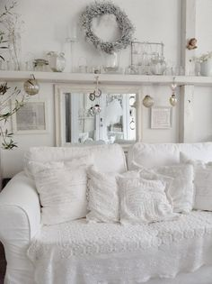 dreamy townhouse: little insight into our living room | brocante
