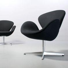 1 (von 2) Swan Chair 3320, Arne Jacobsen Fritz Hansen von 2014 schwarz Schwan