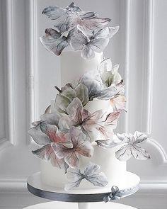 Metallic Wedding Cakes, Creative Wedding Cakes, Small Wedding Cakes, Wedding Cake Rustic, Elegant Wedding Cakes, Elegant Cakes, Wedding Cake Designs, Unique Weddings, Indian Weddings