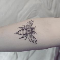 "467 Likes, 5 Comments - anja ✖ t a t t o o a r t i s t (@resi.lience.ink) on Instagram: ""Little 🐝 This one goes to Austria. Thank you for stopping by dear Melissa ♡ . . .…"""