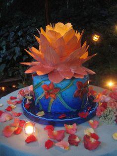The lotus is made of white chocolate sheets. Cupcake Birthday Cake, Cupcake Cookies, Lotus Cake, Seattle Wedding, Traditional Wedding, Winter Christmas, White Chocolate, Cherry Blossom, Cake Decorating