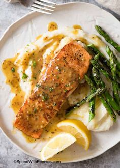 Honey Mustard Salmon is a quick midweek meal with flavours that pack a punch! Honey Mustard Salmon is a quick midweek meal with flavours that pack a punch! Honey Mustard Chicken Marinade, Creamy Honey Mustard Chicken, Honey Mustard Recipes, Homemade Honey Mustard, Honey Mustard Salmon, Honey Mustard Sauce, Salmon And Asparagus, Salmon Salad, Salmon Dinner