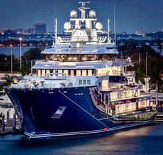 M/Y Ulysses is back in Miami. Built in 2018 by Kleven in Norway. Length 116 m 381 ft. Ulysses is custom built as an explorer/expedition superyacht. Yatch Boat, Catamaran, Yacht Design, Boat Design, Bateau Yacht, Explorer Yacht, Expedition Yachts, Big Yachts, Resorts