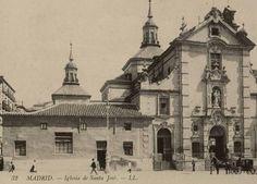 Iglesia de San José. A su izquierda, la casa del cura, derribada al comienzo de las obras de la Gran Vía