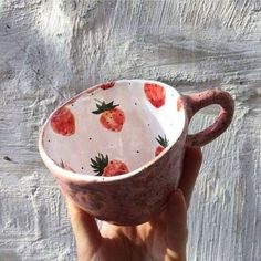 Swish and thriftiness – DIY – Fimo & Clay – Ceramic Ceramic Pottery, Pottery Art, Ceramic Art, Ceramic Cups, Pottery Painting Ideas, Pottery Mugs, Crackpot Café, Clay Crafts, Arts And Crafts