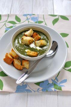 Supa crema de spanac, cartofi noi si ciuperci