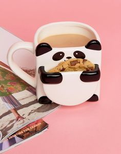 A panda mug with a special slot for your afternoon snack to make your favorite cookie taste fresh out of the oven. - A panda mug with a special slot for your afternoon snack to make your favorite cookie taste fresh out of the oven. Tea Mugs, Coffee Mugs, Coffee Time, Snacks To Make, Cute Cups, Cool Mugs, Birthday Gifts For Women, Afternoon Snacks, Cool Gifts